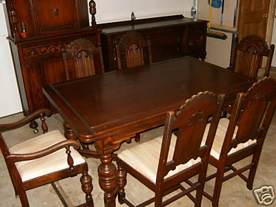 Beautiful antique oak dining room furniture set for Antique dining room sets